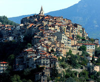 Italy_Mountains_Houses_454650